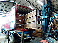 Bangkirai - decking - loading